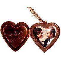 отварящ се медальон сърце за снимка