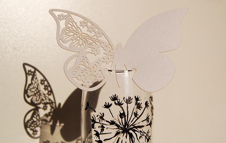 пеперуди за чашите в ресотранта