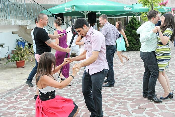 игра за сватба с танци